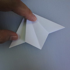 วิธีพับกระดาษเป็นรูปดอกลิลลี่ 006