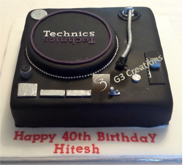Technics DJ Turntable cake