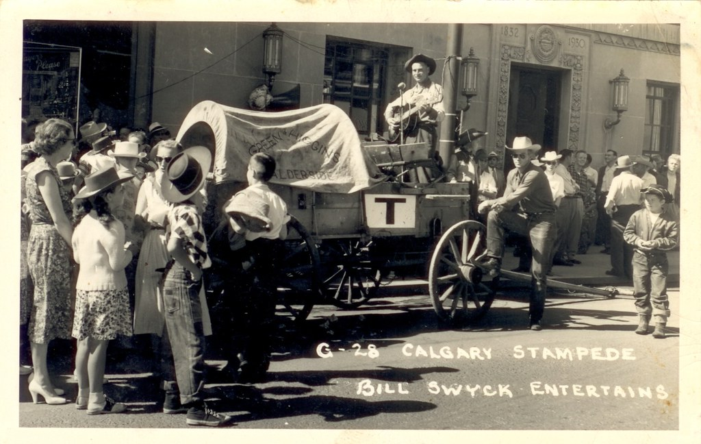 Street Entertaining Street Entertaining Was A Popular