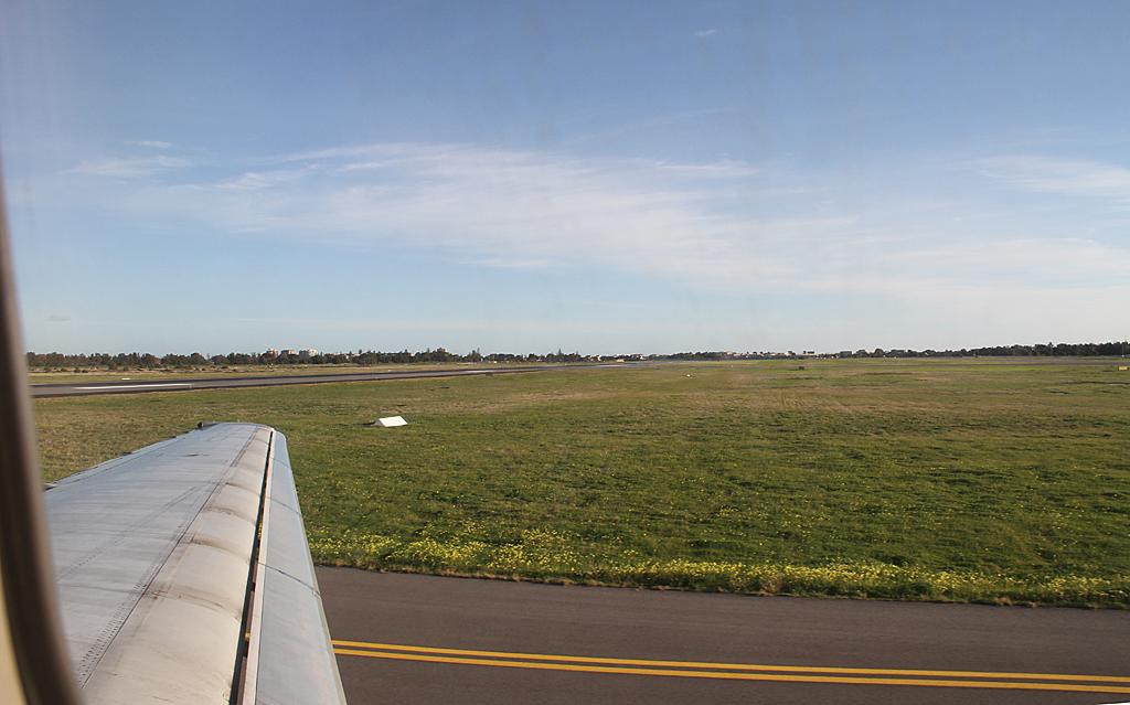 Qantaslink717-23S-VH-NXE-111