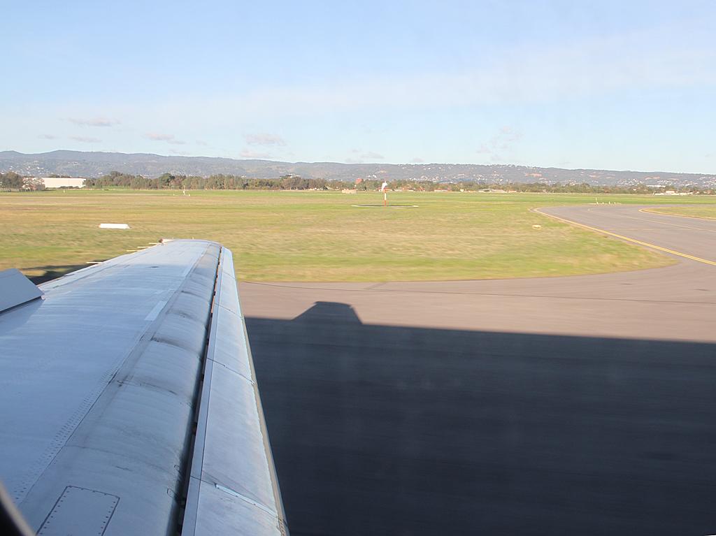 Qantaslink717-23S-VH-NXE-105