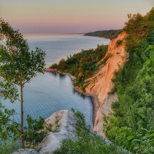 cliff toronto sunrise outdoors happy dawn shoreline lakeshore scarborough bluffs predawn