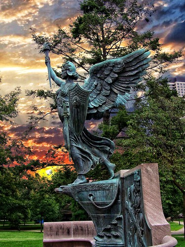 "hartford ct connecticut ""new england"" memorial bushnell park spanish american war sky sunset bronze statue onasill historical historic newengland capitol hill state"