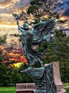 Hartford Connecticut ~ Spanish American War Memorial ~ 1937