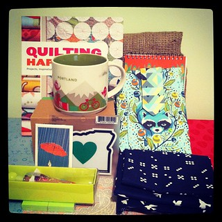 Omg I got the BEST gift from Becky for #urhereswap!! The beautiful Portland mug, quilt book (it was in my wish list!), adorable handmade clutch and lovely fabric... There are too many cute things in here!! It's such an amazing package!!Thank you! Thank yo