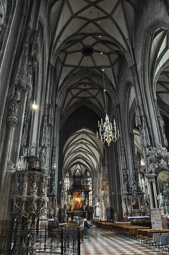 Vienna - St Stephens Cathedral | by lellobot