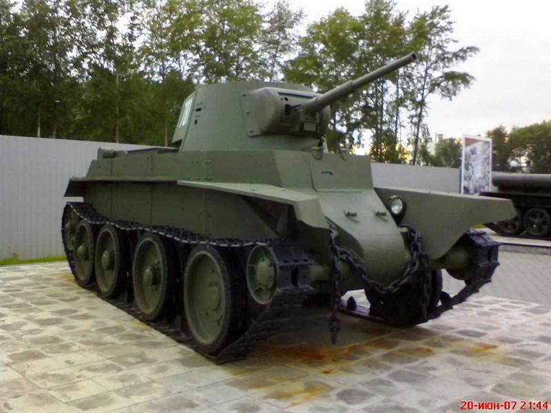 The BT-7 (51)