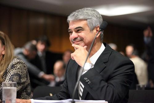 23/04/13 | Senador Humberto Costa PT/PE fala durante sessão na Comissão de Assuntos Econômicos. Foto: André Corrêa / Liderança do PT no Senado.