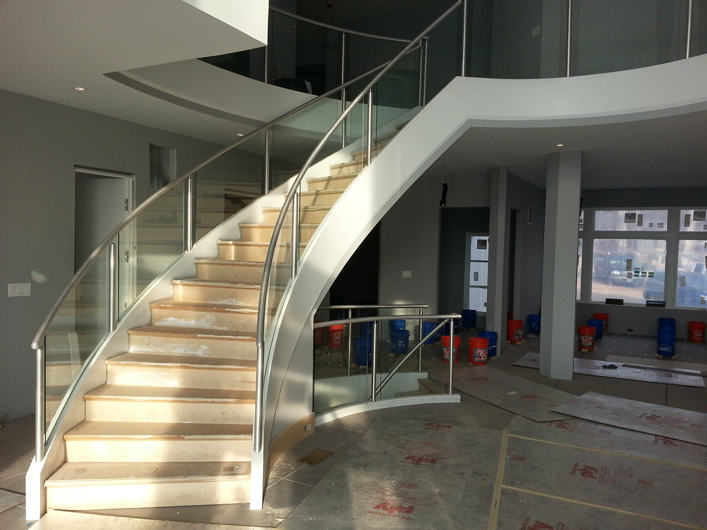 Contemporary Style Curved Stair AndronX | This Contemporary ...