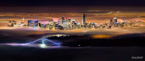 city bridge canada fog skyline night vancouver dark evening downtown cityscape bc dusk britishcolumbia foggy inversion lionsgatebridge cypressmountain westvancouver temperatureinversion