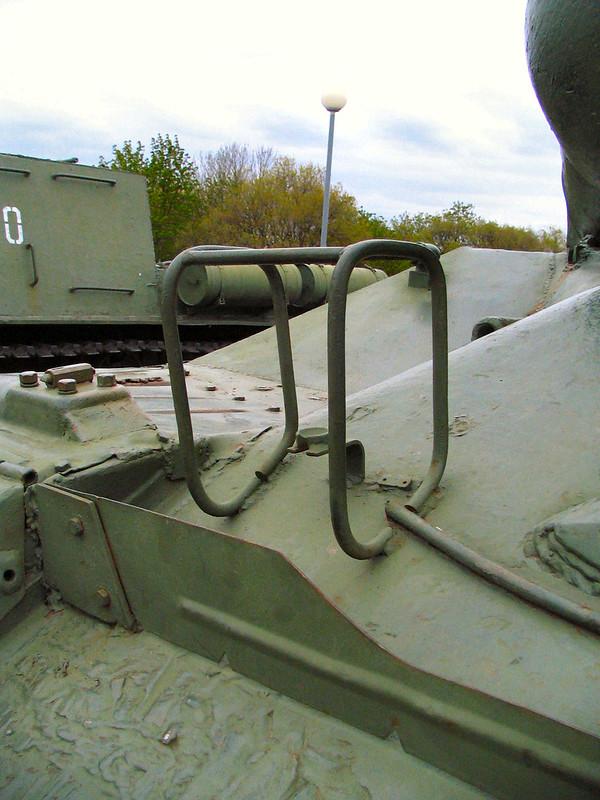 IS-2 (9)