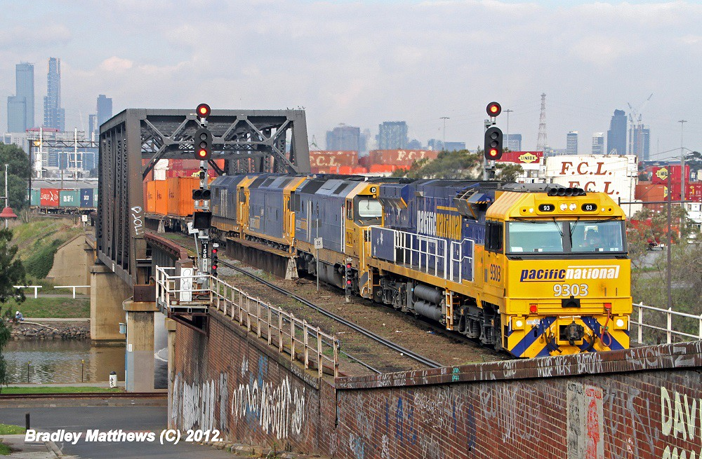 9303-DL50-G536-8171 on 4MC2 to Griffith at Footscray (19/9/2012) by Bradley Matthews