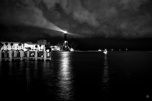 Lighthouse Point   by daspader
