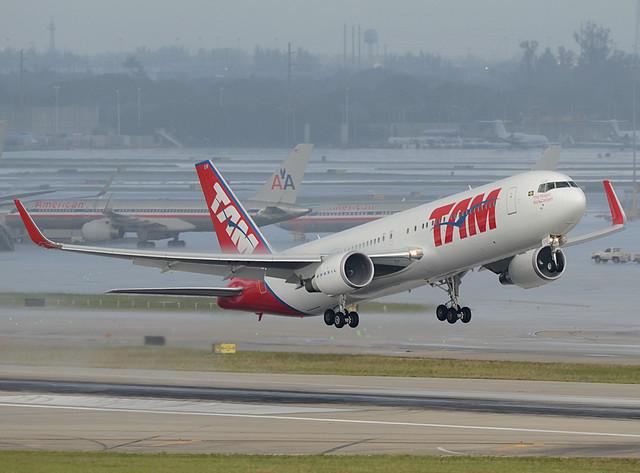 TAM Boeing 767-316ER PT-MSW cn 42213/1040
