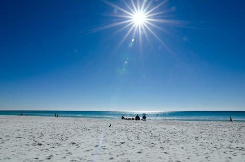 blue beach nikon florida sunny sunburst blueskies destin banias d7000 benchorizo