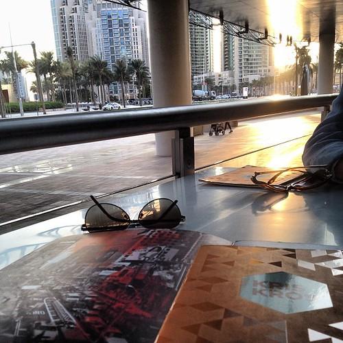 #دبي #داون_تاون حزة مغربية ❤️❤️❤️ #وسط_دبي #إعمار #أعمار_سكوير #dubai #dubaiblogge #dubaidowntown #downtown #downtowndubai #uae #coffee #cafe #food #sunset #sun #kriskros   by wainblog