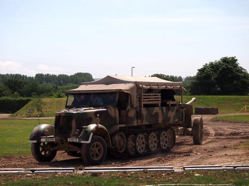 SdKfz 7 (6)