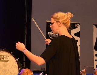 Brassbandfestivalen 2013 - Matilda Forsberg, dirigent för GYBB (Foto: Annette Forsberg)