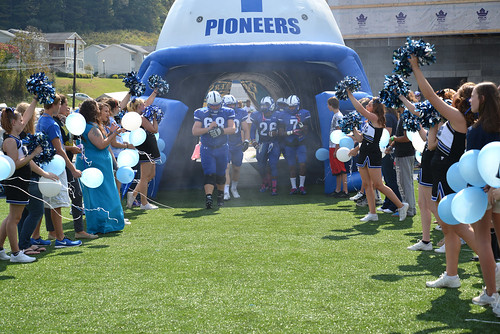 The Pioneers coming through the tunnel