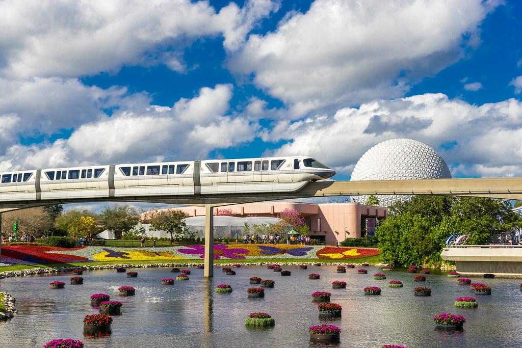 Monorail Monday - A Beautiful Florida Day