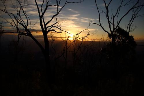sunset bushwalking wilderness victoriaaustralia overnighthike cathedralrangestatepark southjawbonepeak