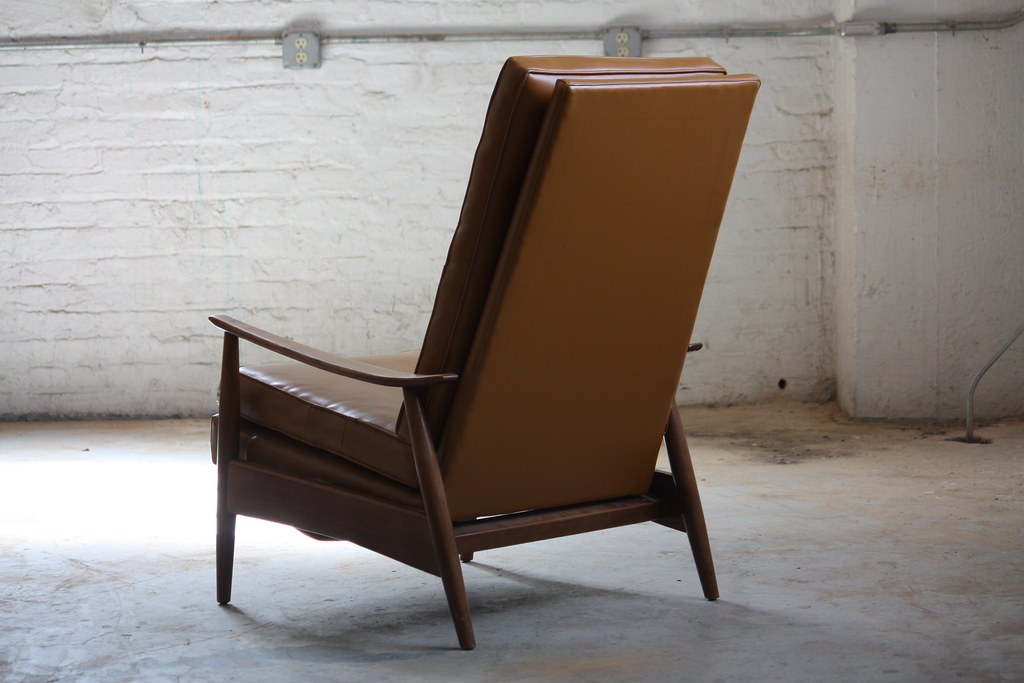 Pleasant True Classic Milo Baughman Mid Century Modern Recliner For Short Links Chair Design For Home Short Linksinfo