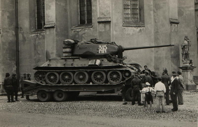 Tank T-34 (99)