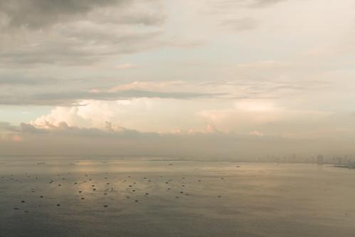 november sunset sky cloud landscape iso100 fishing cityscape philippines selected manila manilabay f40 2013 0ev ef50mmf12lusm ¹⁄₆₄₀secatf40 ••••