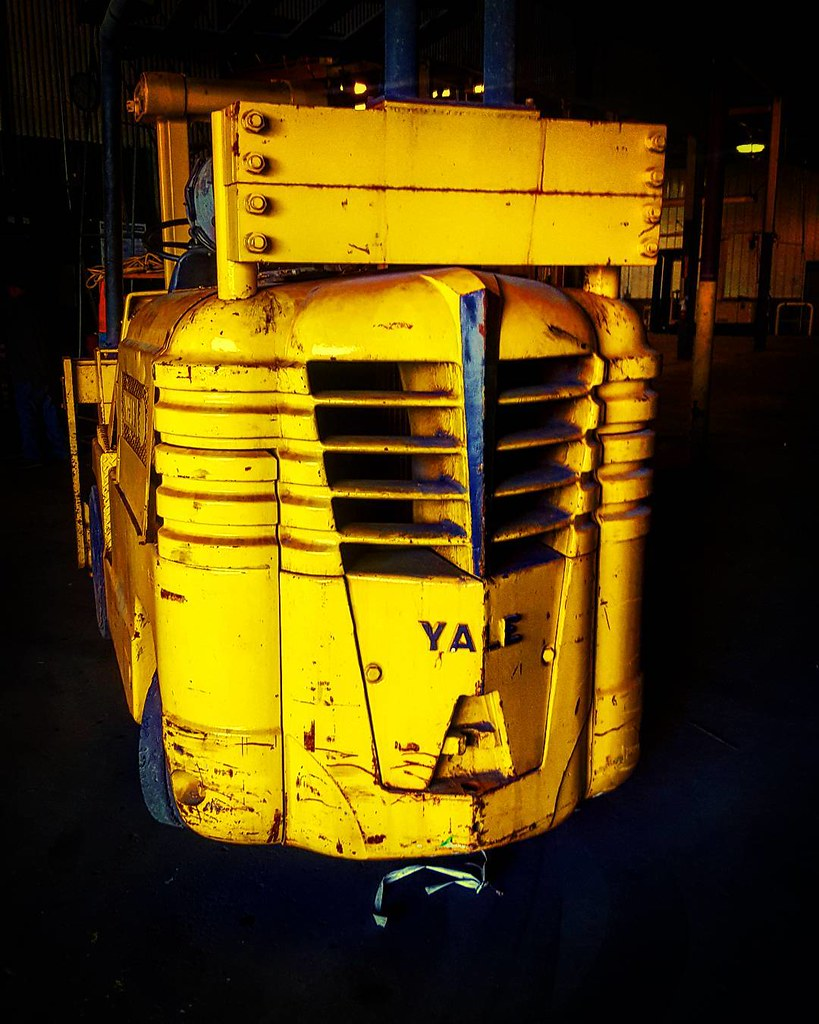 This cool old Yale forklift had a bit of an Art Deco vibe