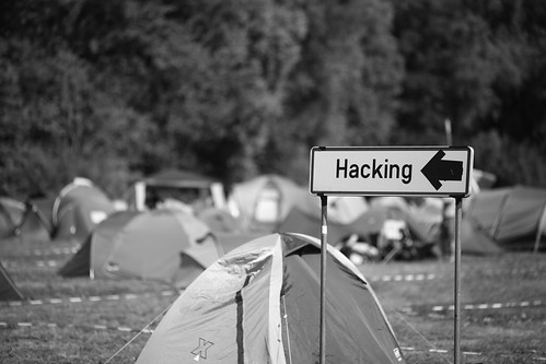 Show me the way of hacking | by Alexandre Dulaunoy