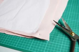 Geneva Vanderzeil shows you how to make a scuba skirt   by apairandaspare
