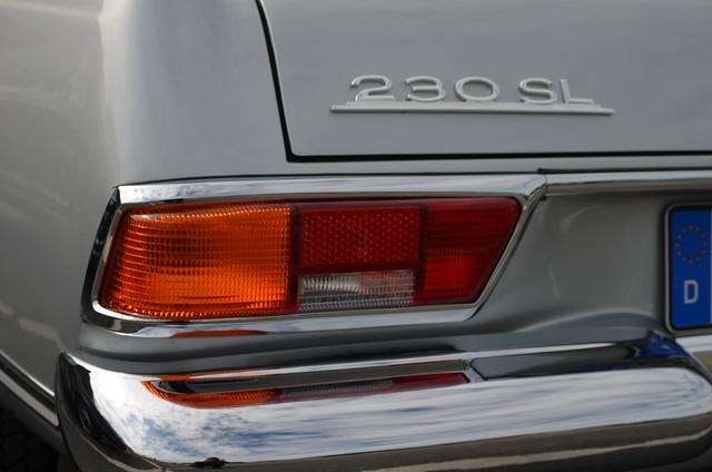 Mercedes-Benz 230 SL W113 Roadster 'Pagoda' (1963-1967)