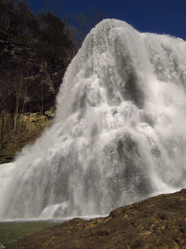 waterfall burgessfalls