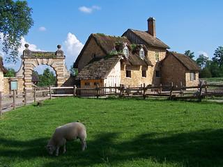 Ferme du hameau de la Reine, celui-ci ayant été voulu par … | Flickr