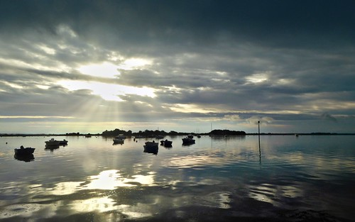 light sea sunrise brittany bretagne iledarz