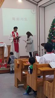 유아세례식과 세례를 받은 모든분들을 축하해요.^^