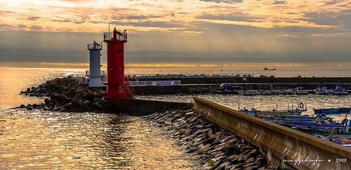 lighthouse seascape sunrise nikon harbour korea busan corea worldtraveler d3000