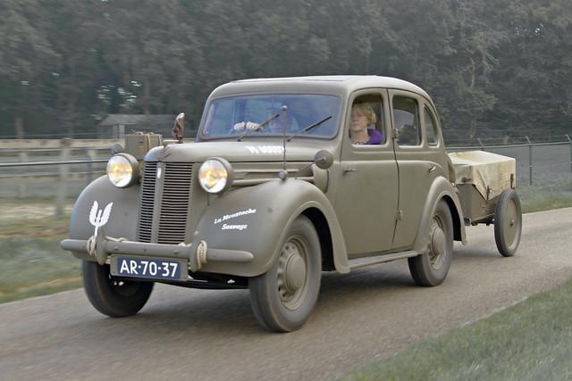Austin Ten Series II Sliding-Head Saloon 1948 (3341)