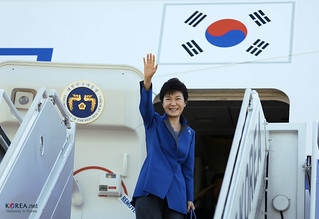 Korea_President_Park_Visiting_Indonesia_01 | by KOREA.NET - Official page of the Republic of Korea