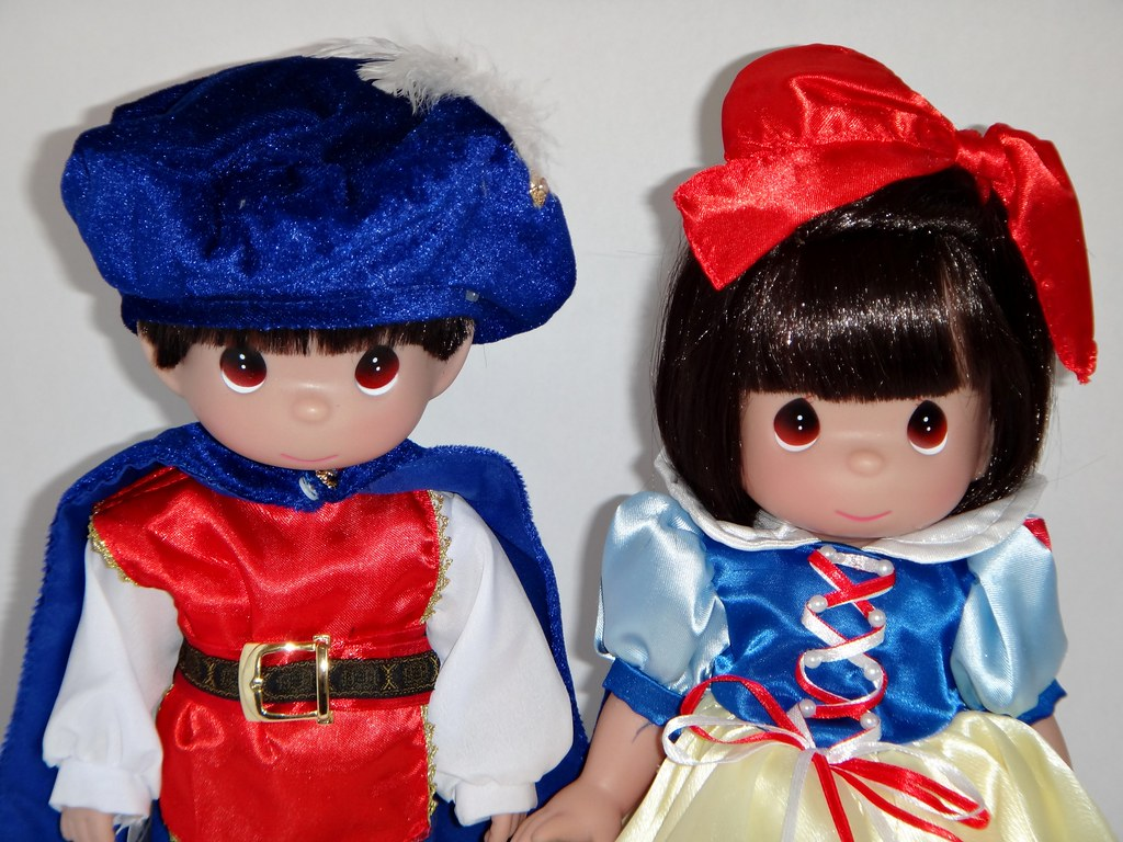 Classic Snow White and Prince Charming Toddler Dolls - Pre… | Flickr