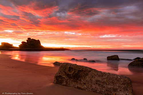 ocean orange sunrise sand australia nsw nambuccaheads taragowen photographybytaragowen