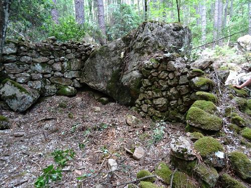 RD du Carciara (branche Paliri) : vestiges de deux caseddi imposants