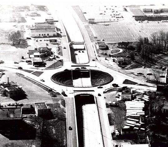 LATHAM tRAFFIC cIRCLE 1959 albany ny 1950s | Courtesy albany