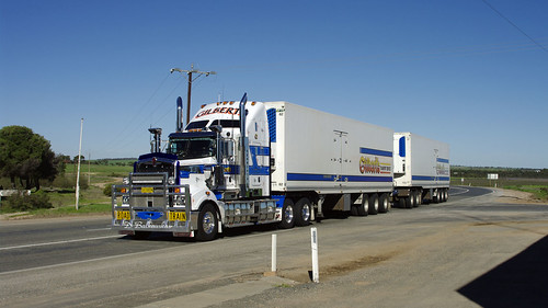 Gilbert's Kenworth T909 | by alco_dl500b