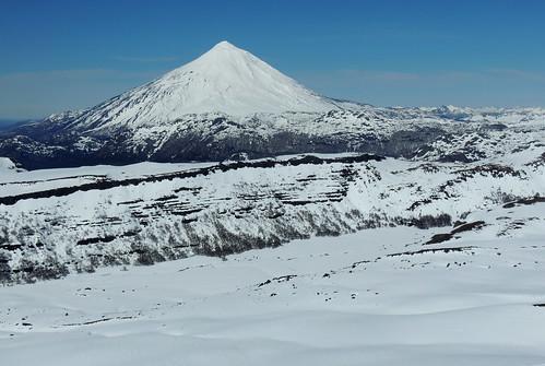 chile ski volcano andes invierno skitour esquí volcán volcanoe randonné volcánlanín chilecentral regióndelaaraucanía volcánquetropillán