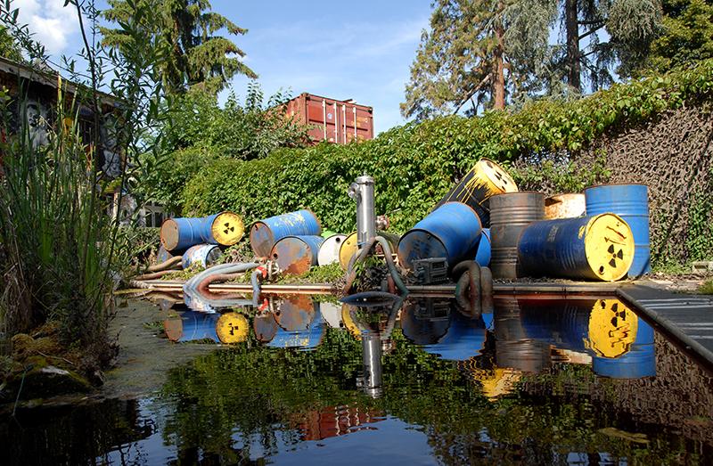 Fuku Swimming-Pool - Demeure du Chaos / Abode of Chaos