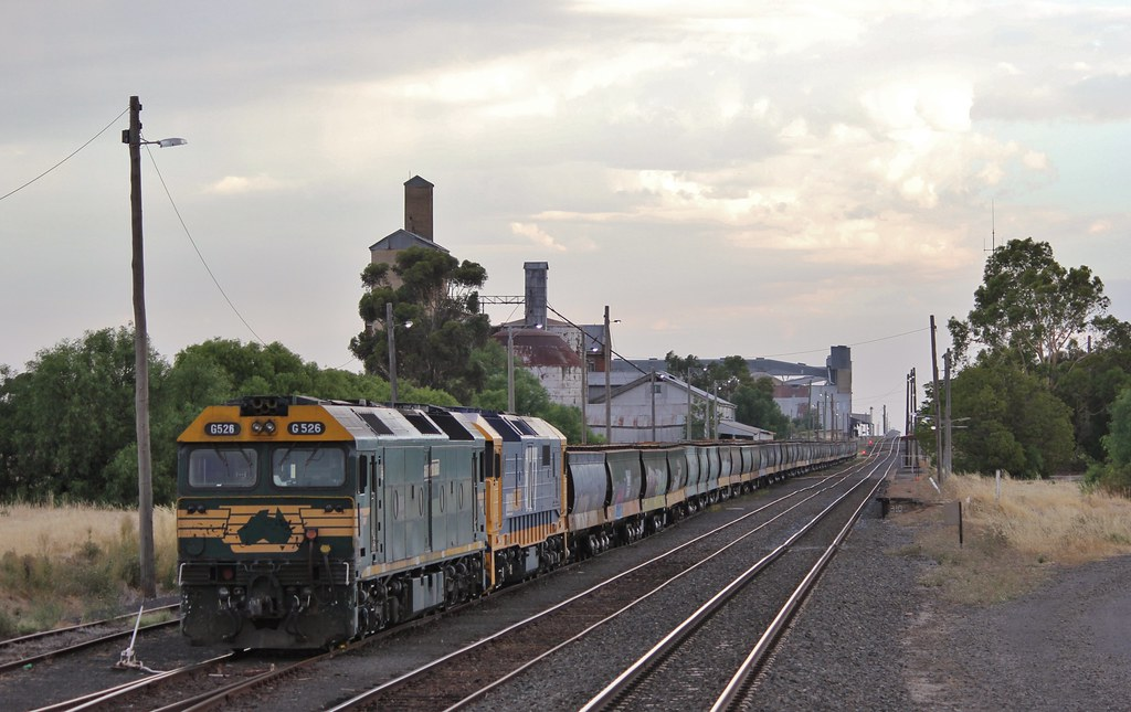 G526 and 8177 rest in Murtoa after making a run to the ports and back by bukk05