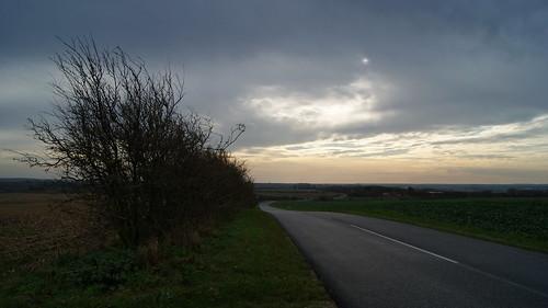 road sky cloud sun sol fly vej skive dåsbjerg