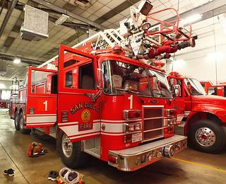 San Diego FD - Ladder 1