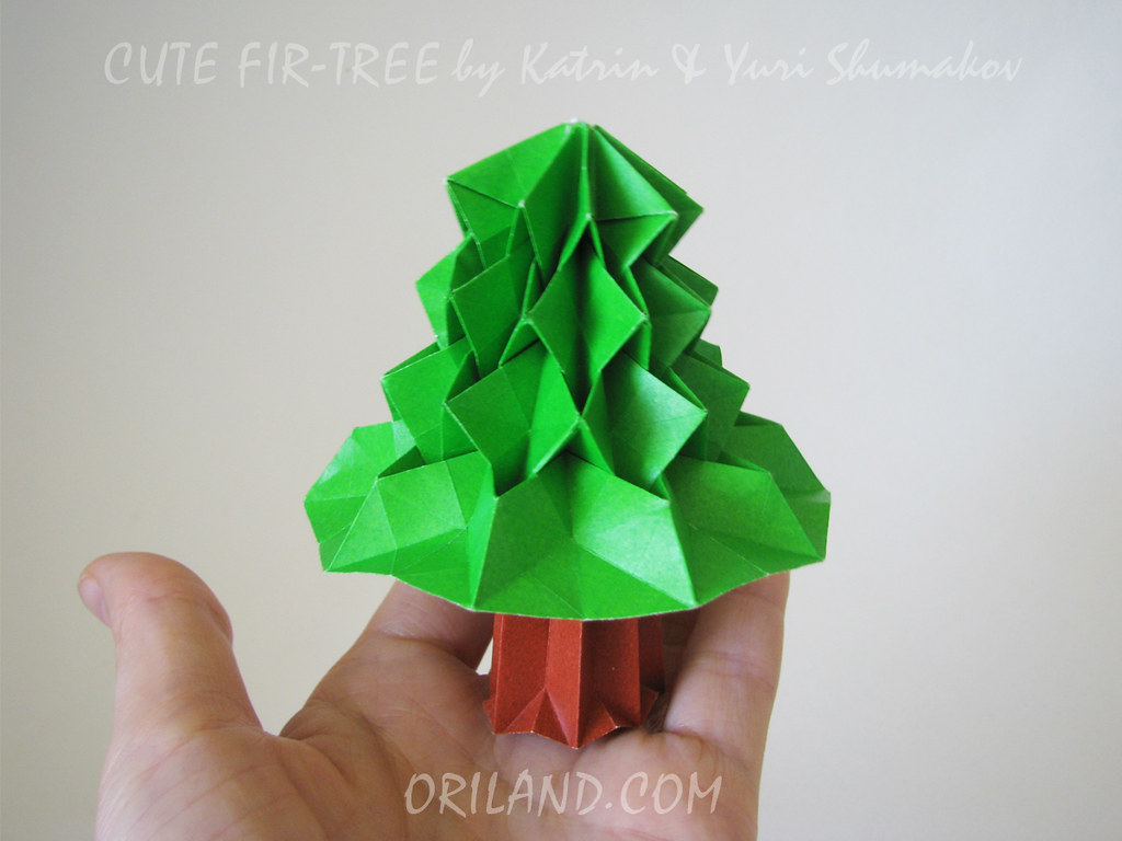 Cute and easy origami fish by Stéphane Gigandet | Project | Papercraft /  Cards & Stationery | Kollabora | 768x1024